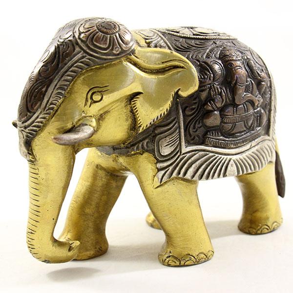 Статуэтка слона с опущенным хоботом